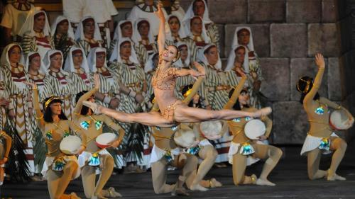 opera Myrna Kamara